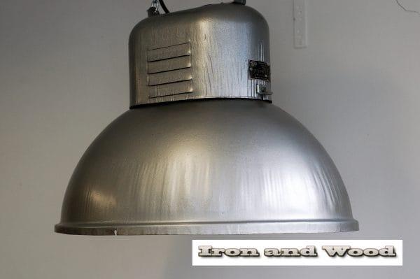 Industriele ovale fabriekslamp 2