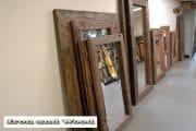 Diverse grote robuuste spiegels van oud sloophout