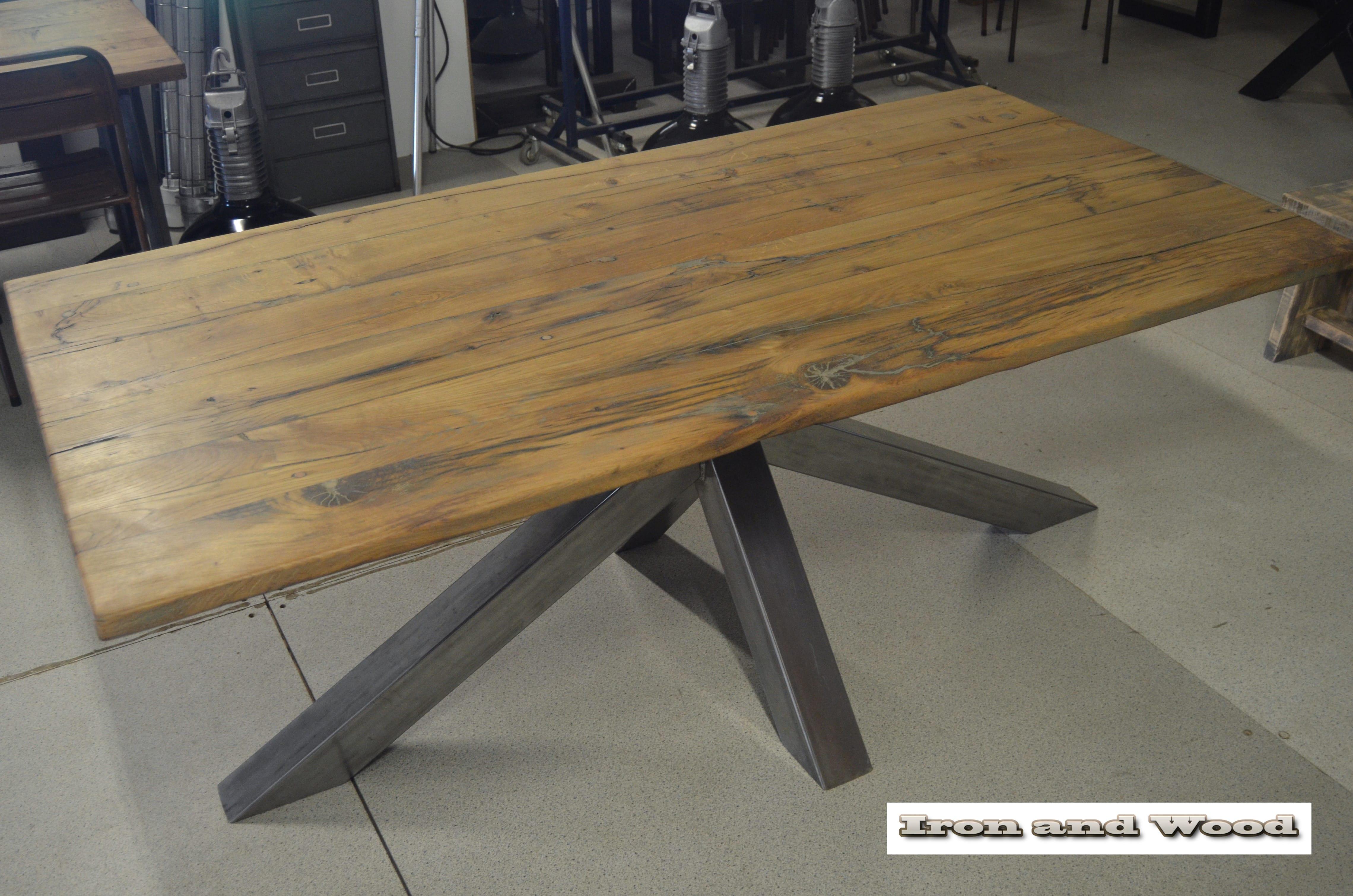 Massief oud eiken tafel op maat woontheater