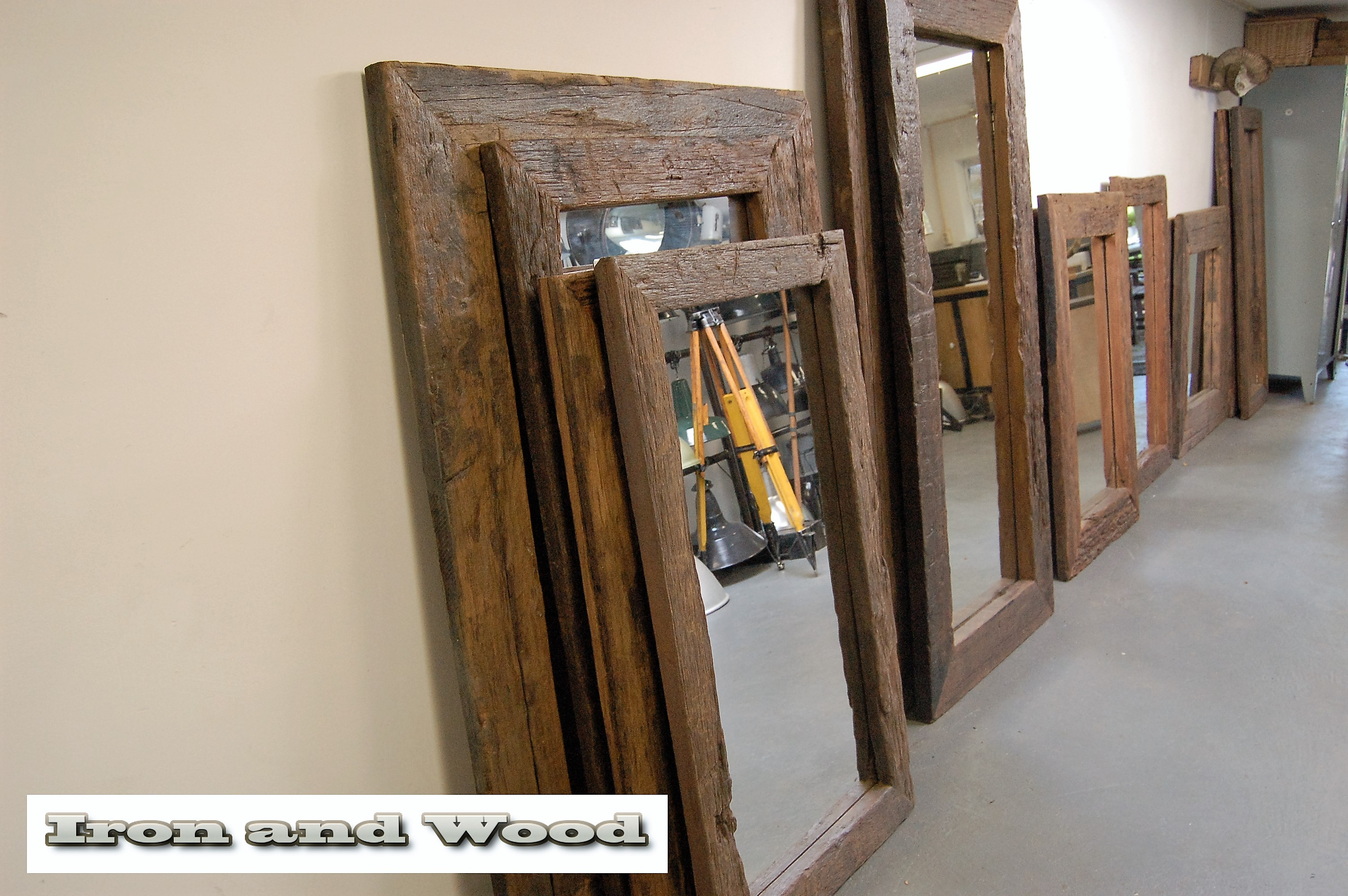 Spiegel Met Oude Lijst.Robuuste Xxl Spiegel Van Oude Wagondelen Wagonplanken Afm 191 X 91 Lijst 17