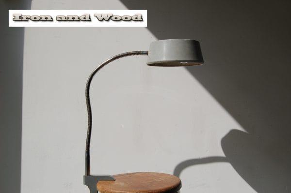 Grijze klemlamp (1)
