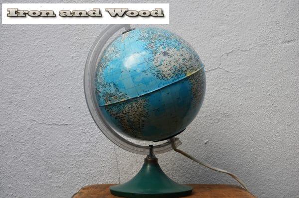 Plastic vintage globe H30 1