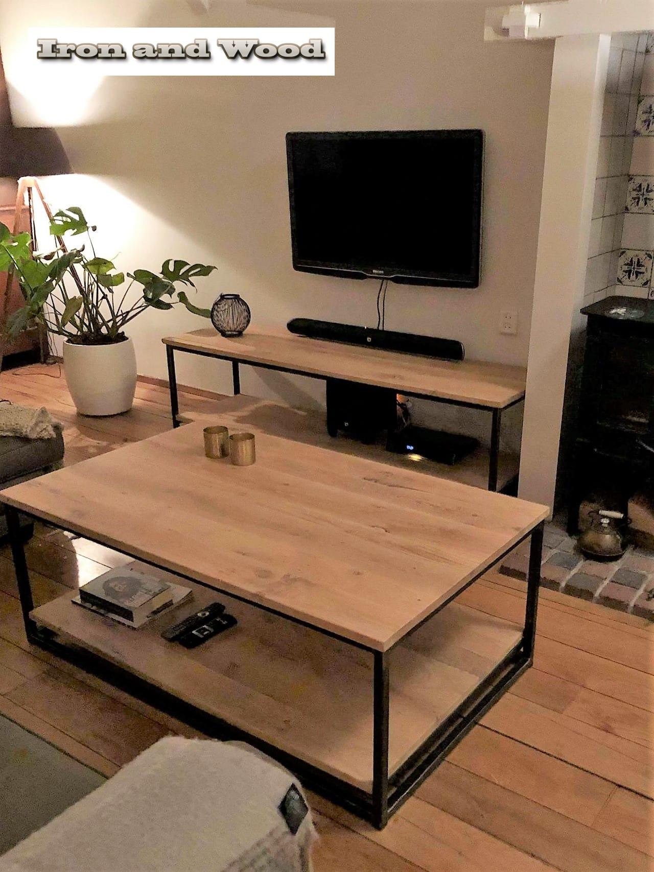 Tv Kast Salon Tafel.Industrieel Tv Meubel Met Onderblad Van Staal En Nieuw Rustiek Eiken
