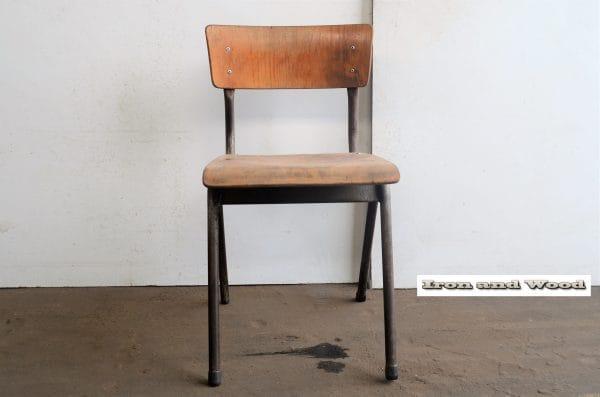 Grijze industriele schoolstoel H43 Z37x37 2