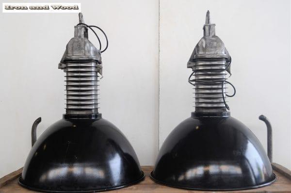 Zwarte emaille Phillips lampen D52 H74 2