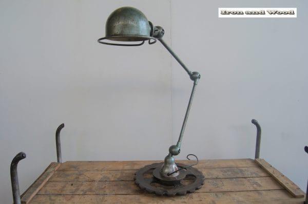 Groene 2 arm Jielde lamp H75 11