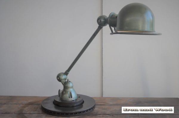 Groene 1 arm Jielde lamp H56 11