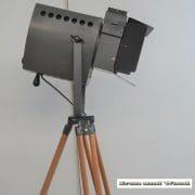 Spot op houten statief H165 D45x38 vierkant 6