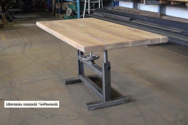 Industriele tafel oud gepolijst onderstel en eiken blad 180 x 85 x 79 3