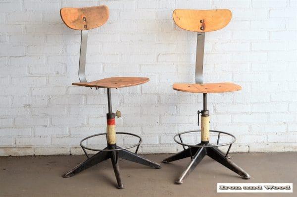 Industriele bureaustoelen witte onderzijde 5