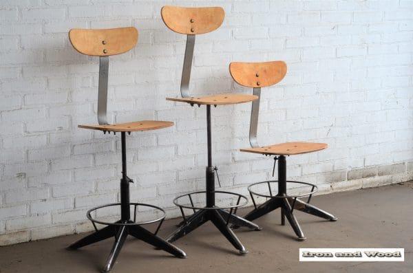 Industriele bureaustoelen zwarte onderzijde 2