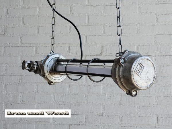 Gepolijste kleine TL lamp L66 D23 2